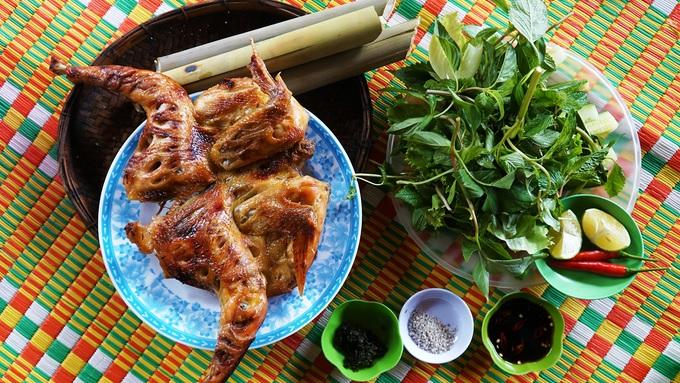 Gà nướng cơm lam – đặc sản dân dã của núi rừng Gia Lai